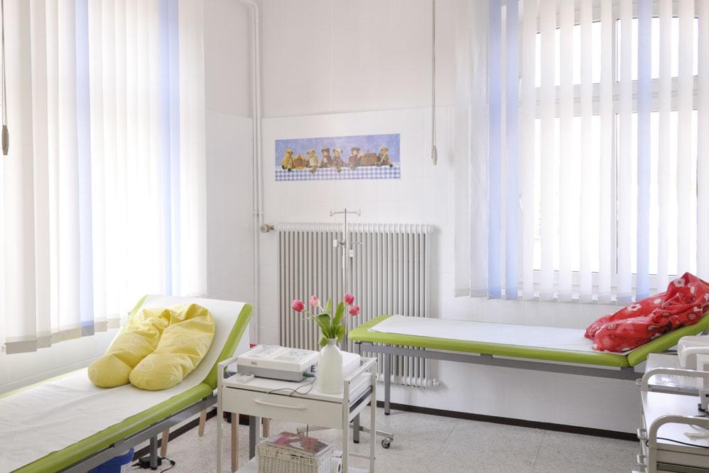 behandlungsraum-eins-frauenarzt-lichtenfels
